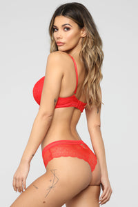 Not Going To Speculate 2 Piece Set - Red
