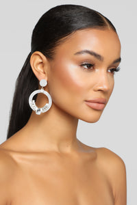Circles And Stones Earrings - Ivory Angle 1