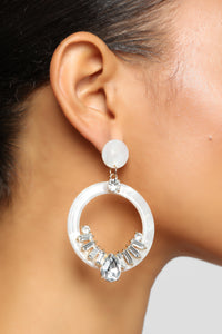 Circles And Stones Earrings - Ivory Angle 3