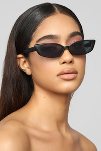 Without Me Sunglasses - Black