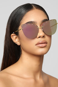 Unthinkable Sunglasses - Gold/Pink