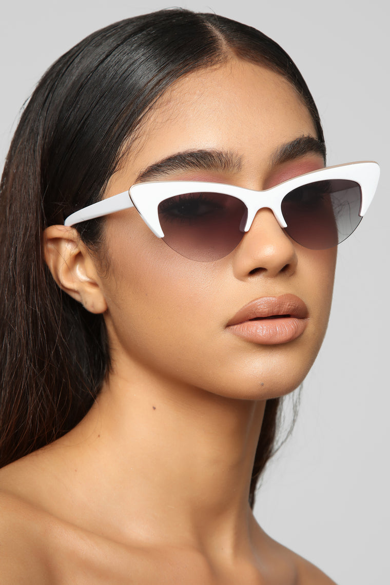 Hinting You Sunglasses - White