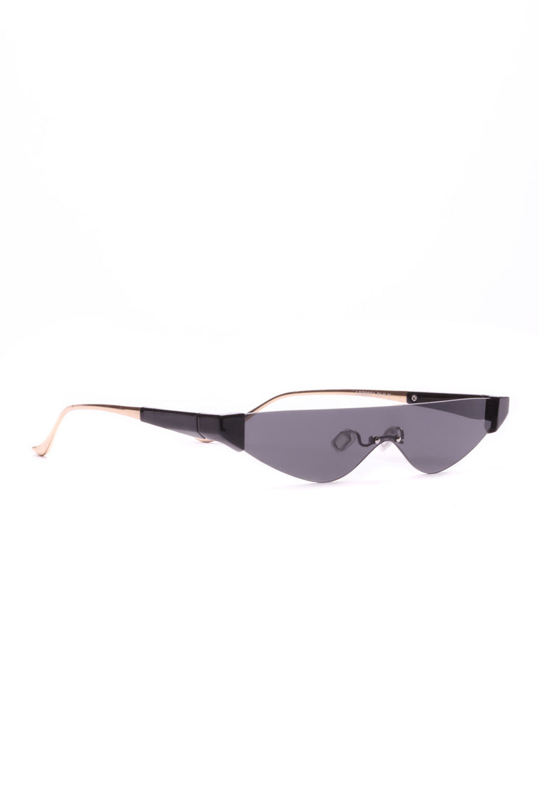 Peep This Game Sunglasses - Black