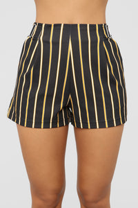 Waiting For You Shorts - Black/Mustard