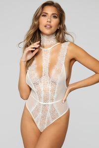 Make Amore Lace Teddy - Off White