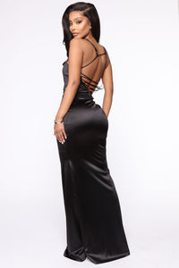Look This Way Maxi Dress - Black Angle 4