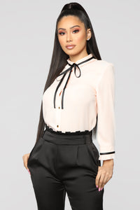 Voilet Top - Blush/Black Angle 1