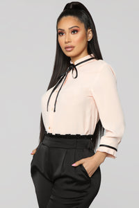 Voilet Top - Blush/Black Angle 3