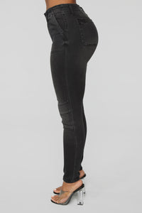 Feelin' So High Skinny Jeans - Black
