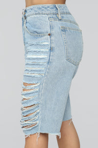 Daydreaming Distressed Bermuda Shorts - Light Blue Wash Angle 4
