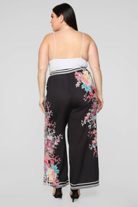 Going On Vacay Wide Leg Pants - Black/Combo