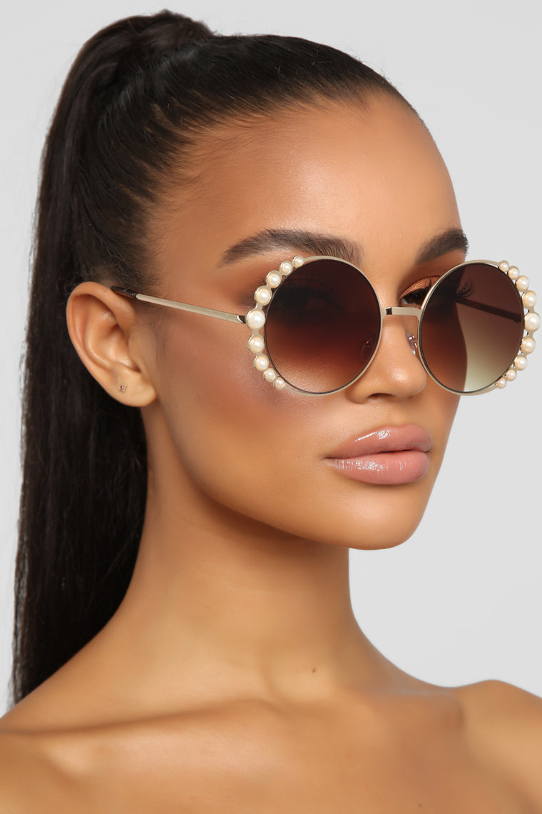 All About The Pearls Sunglasses - Gold/Brown