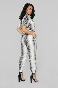 Snake It To Me Pant Set - Off White/Brown