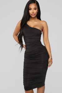 Barely Know Me One Shoulder Midi Dress - Black Angle 2