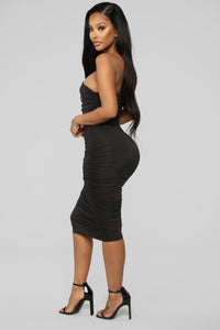 Barely Know Me One Shoulder Midi Dress - Black Angle 3