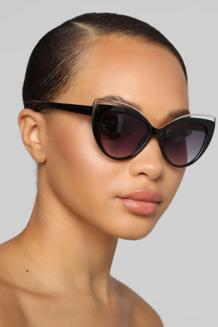 Glamour Shot Sunglasses - Black
