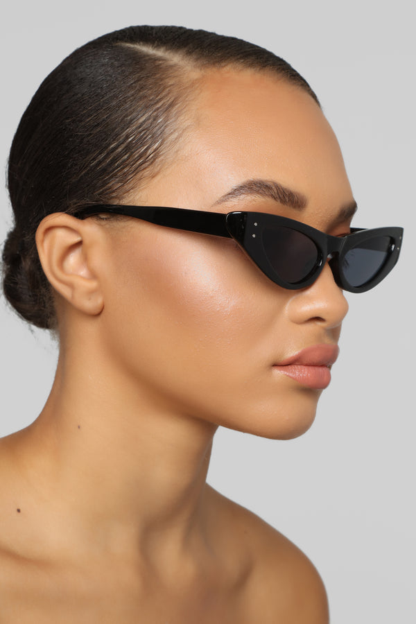 fdee0c02762 Intrigued Sunglasses - Black