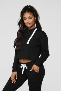 Relaxed Vibe Cropped Hoodie - Black
