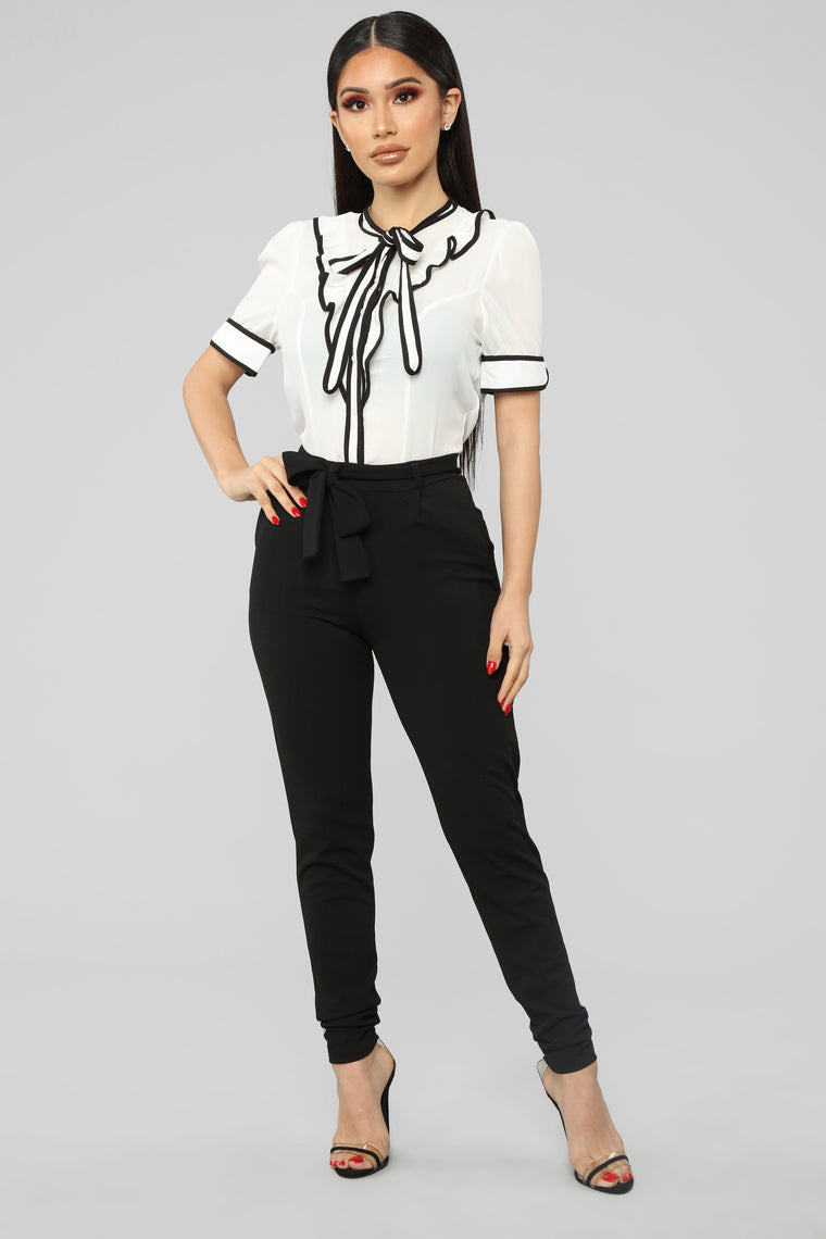 Keep It Professional Top - White/Black