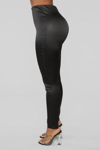 Snake Venom Embossed Leggings - Black