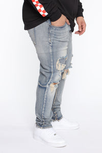 Chase The Money Distressed Skinny Jean - Vintage Blue Wash Angle 8
