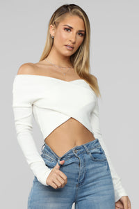 In The Middle Crop Top - Soft White