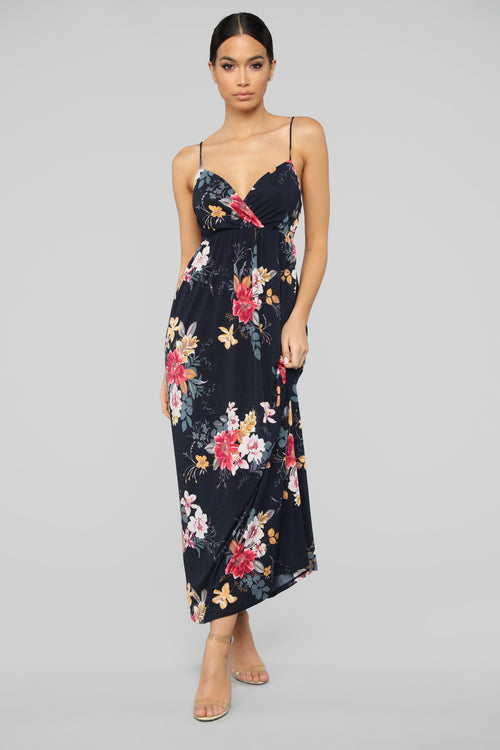 Year Round Vacation Dress - Navy Floral