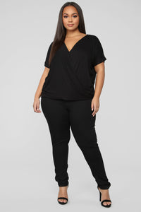 Dream On Short Sleeve Top - Black Angle 7