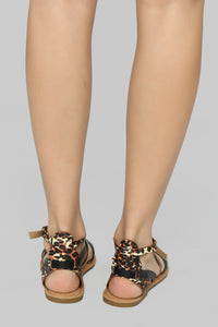 Are We There Yet Flat Sandals - Black/Leopard Angle 4