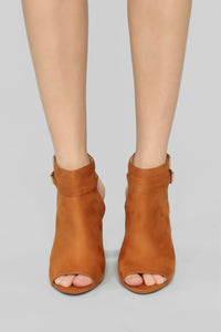 Loud And Clear Booties - Cognac