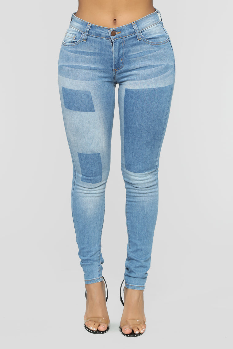 Check Mate Skinny Jeans - Light Blue Wash