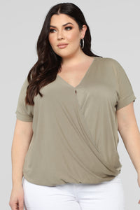 Dream On Short Sleeve Top - Olive Angle 6