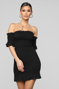 Keep Me Close Dress - Black