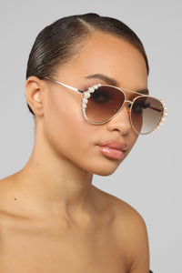 Wrap Me Up In Pearls Sunglasses - Brown