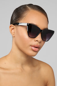 Go With The Flow Sunglasses - Black Angle 1