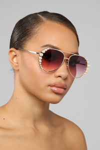 Wrap Me Up In Pearls Sunglasses - Purple