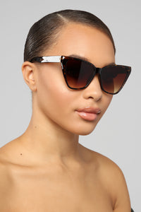 Go With The Flow Sunglasses - Tortoise Angle 1