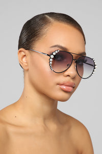 Wrap Me Up In Pearls Sunglasses - Black/Black