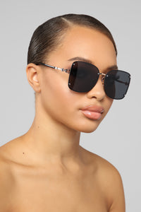 One Too Many Times Sunglasses - Black