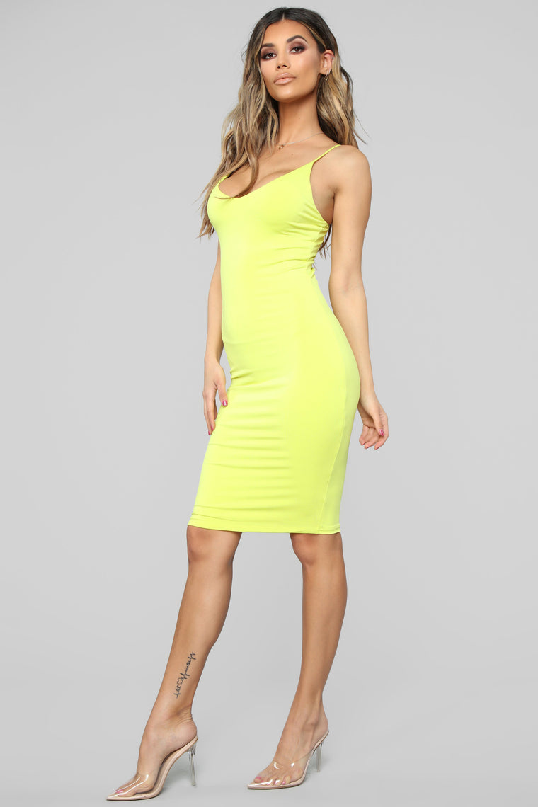 Take A Guess Midi Dress - Lime