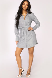 Holding Back Shirt Dress - Black/White