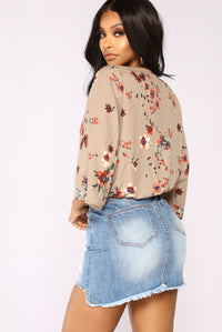 Maddison Floral Top - Taupe/Floral