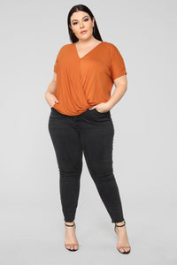 Dream On Short Sleeve Top - Rust Angle 7