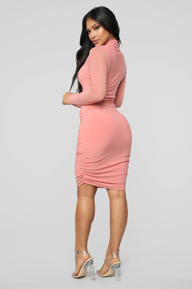 Clean And Clear Ruched Dress - Mauve