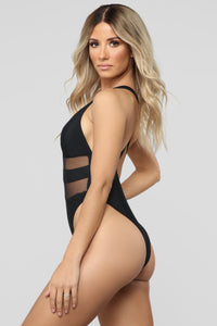 Sunscreen Queen Cutout Swimsuit - Black Angle 3