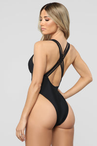 Sunscreen Queen Cutout Swimsuit - Black Angle 1