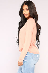 Knot Interested Keyhole Top - Peach