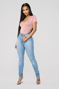 Classic Sweetheart Skinny Jeans - Light Blue Wash Angle 3