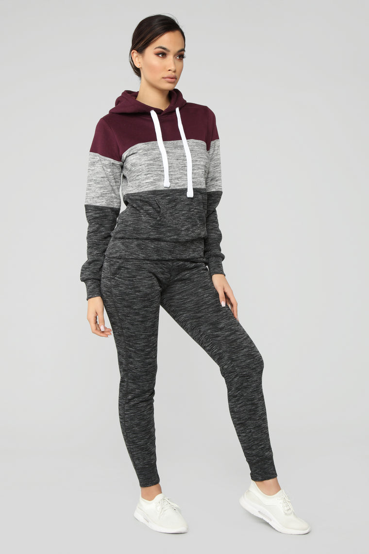 Relaxed Vibe Colorblock Hoodie - Plum