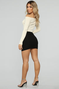 First Pick Mini Skirt - Black Angle 5
